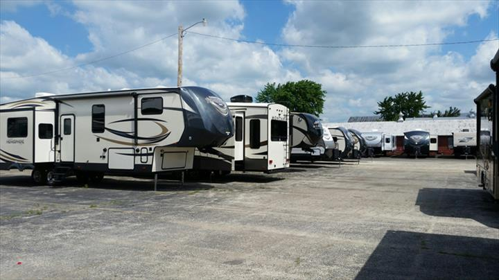 Fourwinds RV - RV Sales - Maroa, IL - Thumb 4
